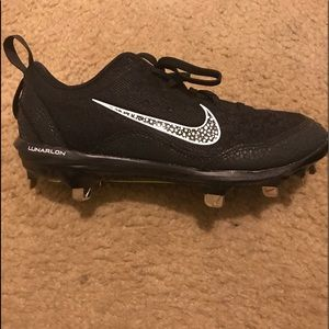 New nike hyper diamond metal cleats